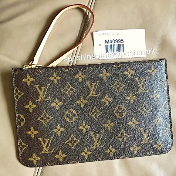 8554415390a Louis Vuitton Neverfull Monogram Pochette France! NWT